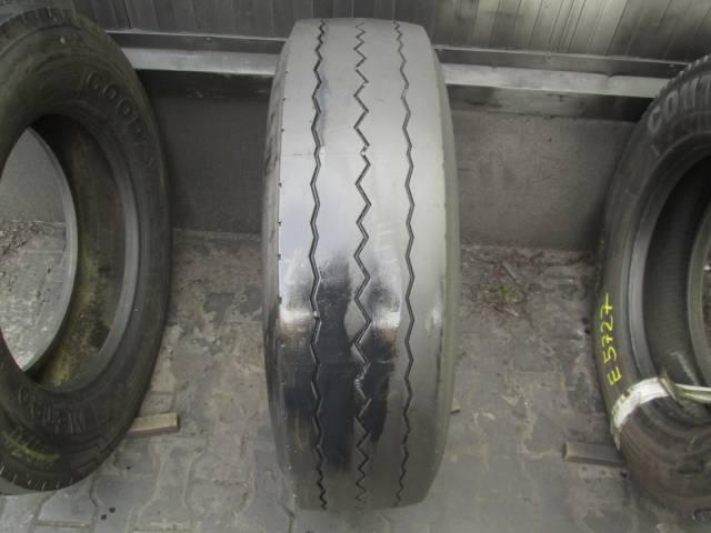 Opona używana 275/70R22.5 Pirelli BIEZNIKOWANA