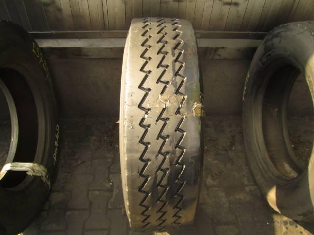 Opona używana 275/70R22.5 Dunlop BIEZNIKOWANA