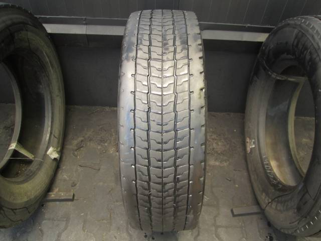 Opona używana 275/70R22.5 Michelin BRIDGESTONE M749