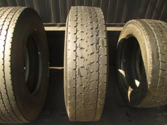 Opona używana 295/80R22.5 Bridgestone BIEZNIKOWANA