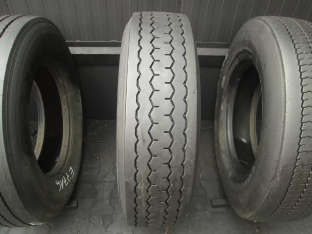 Opona używana 295/80R22,5 Michelin BIEŻNIKOWANA