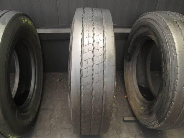 Opona używana 295/80R22,5 Dunlop SP341