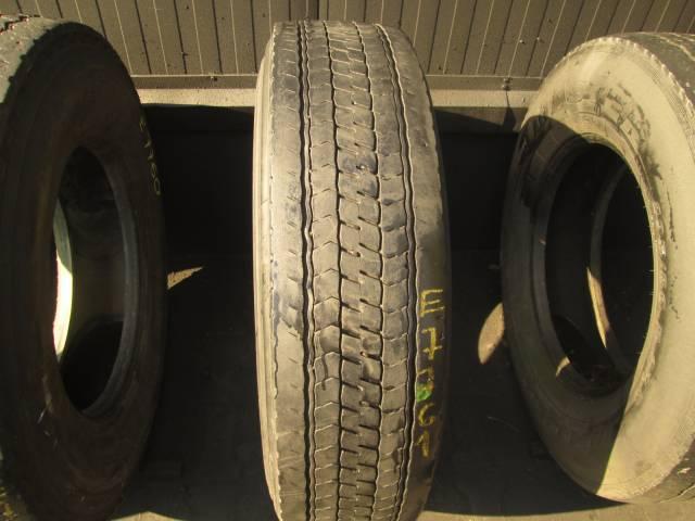 Opona używana 295/80R22,5 Bridgestone BIEŻNIKOWANA