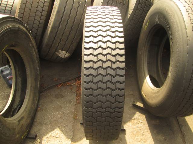 Opona używana 11R22,5 Bridgestone BIEŻNIKOWANA