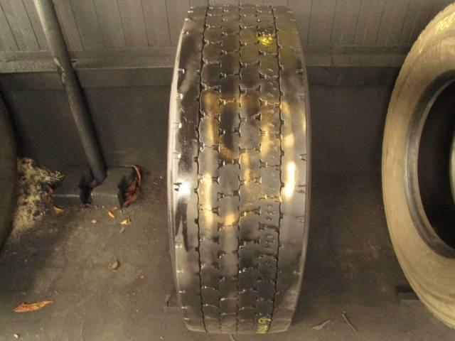Opona używana 315/70R22,5 Bridgestone BIEŻNIKOWANA