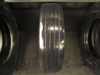Opony używane 205/75R17.5 Pirelli FR85 - 2 szt. (501116). Opony nr: 45776 40963