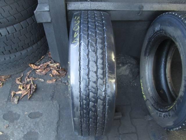 Opona używana 215/75R17,5 Pirelli FW01