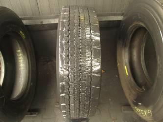 Opona używana 275/70R22,5 Pirelli BIEŻNIKOWANA