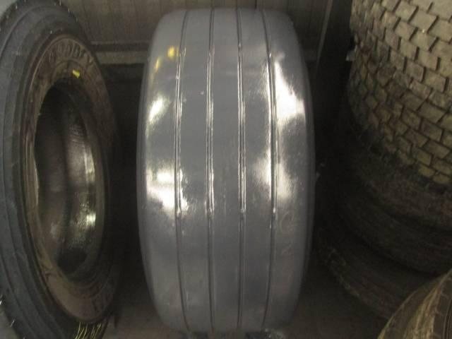 Opona używana 385/55R22,5 Dunlop SP244