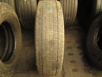 Opony używane 295/80R22.5 Bridgestone H-DRIVE 001 - 2 szt. (500279). Opony nr: 44298 44702