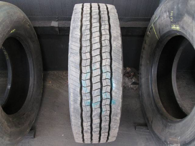 Opona używana 275/70R22,5 Dunlop BIEŻNIKOWANA