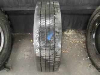 Opony używane 275/70R22.5 Pirelli MC01 - 4 szt. (500087). Opony nr: 46705 51965 53267 53268