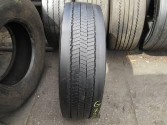 Opony używane 275/70R22.5 Pirelli MC01 - 4 szt. (500088). Opony nr: 47826 53595 52089 51966