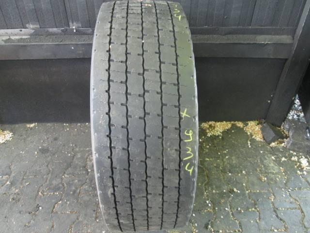 Opona używana 315/60R22,5 Bridgestone BIEŻNIKOWANA