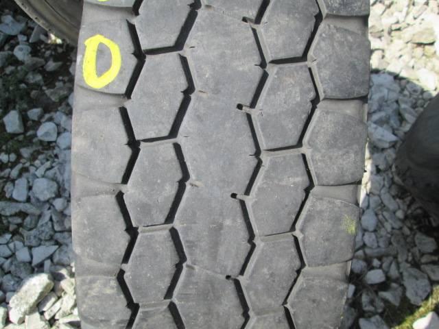 Opona używana 295/70R22,5 Bridgestone BIEŻNIKOWANA