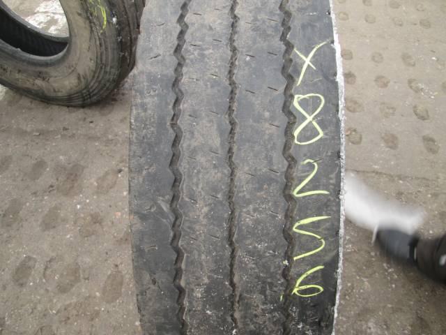 Opona używana 275/70R22,5 Pirelli MC88