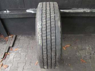 Opona używana 275/70R22,5 Bridgestone BIEŻNIKOWANA