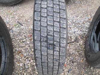 Opona używana 215/75R17.5 Pirelli BIEZNIKOWANA