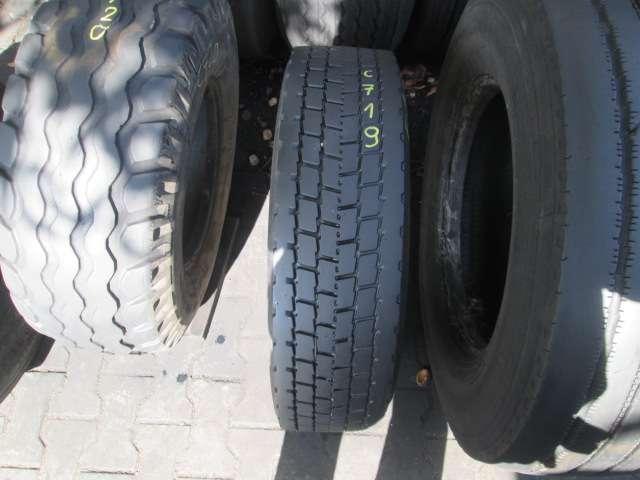 Opona używana 205/75R17.5 Michelin BIEZNIKOWANA