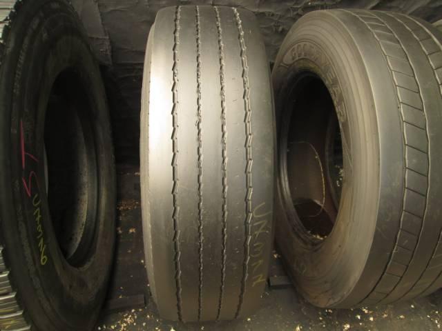 Opona używana 315/70R22.5 Pirelli FR01
