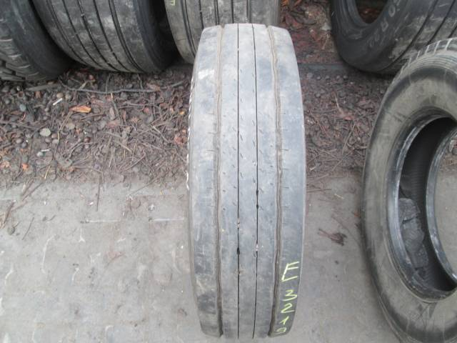 Opona używana 215/75R17.5 Dunlop SP252