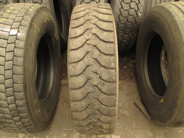 Opona używana 315/80R22.5 Goodyear MICHELIN X-WORKS