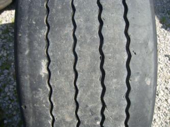 Opona używana 385/65R22.5 Bridgestone BIEŻNIKOWANA